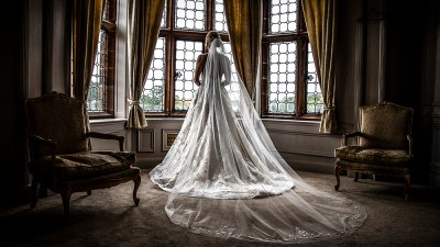 Just love that wedding dress
