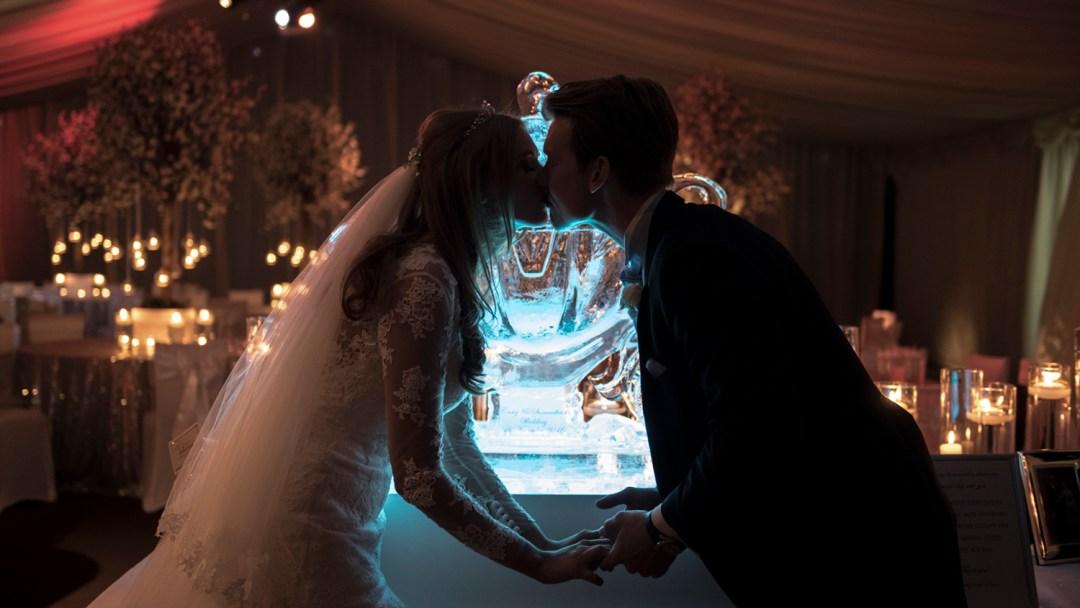 ice-sculpture-wedding