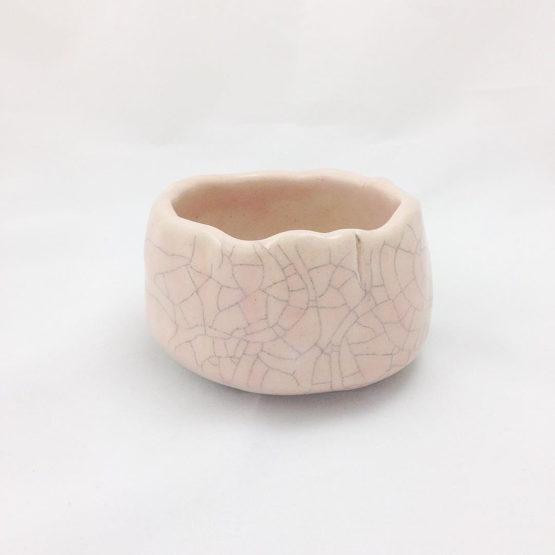 初春   Early Spring  Your beauty lies with  Strength wrapped in fragility  Ready to blossom  #handmade #custom #pottery #ceramics #madeinsg #chawan #陶藝 #commisionart #singapore #studioasobi #haiku