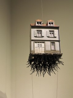 Pulled by the Roots, Leandro Erlich