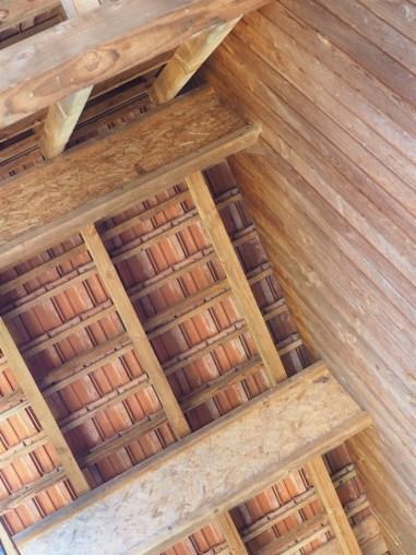 Détails de la structure et charpente bois