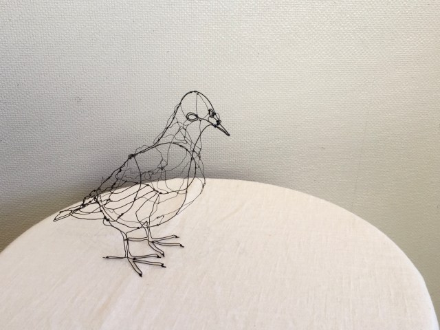 Wireart bird created by Shida Mihoko on show at Launch Pad Gallery in Yokohama