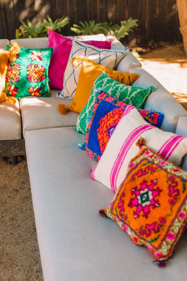Colores alegres para decorar una terraza