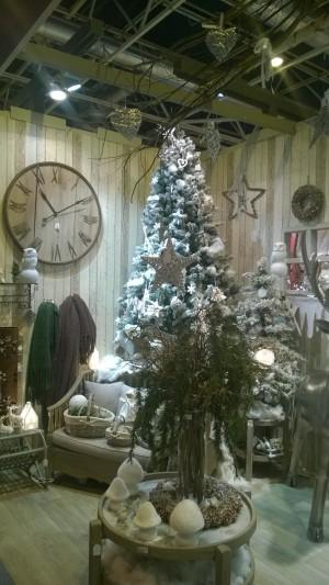 adornos de navidad para utilizar en escaparates