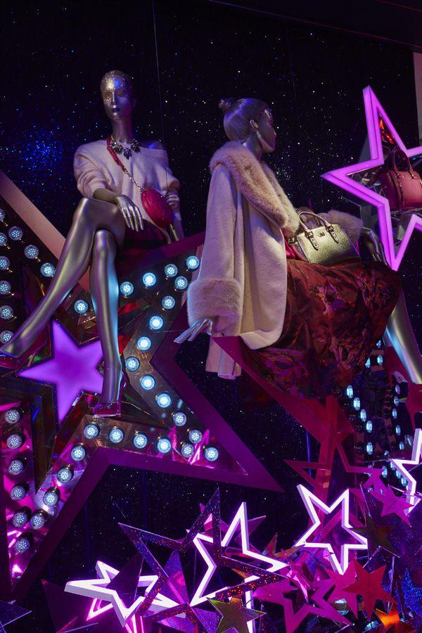 Escaparates de navidad modernos con luces de neon