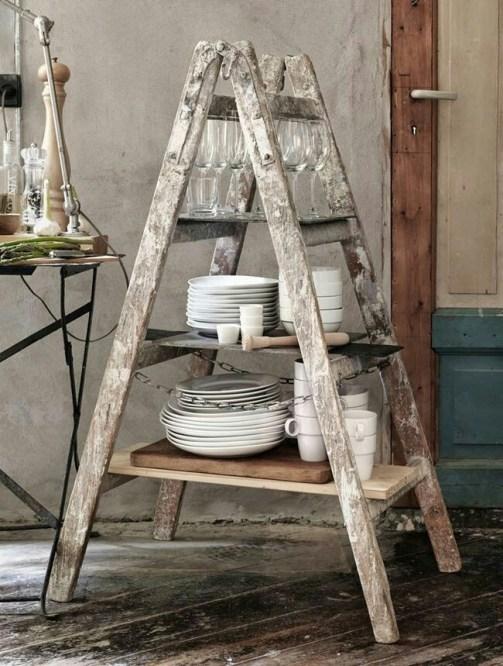 Una escalera antigua puede formar parte de un escaparate
