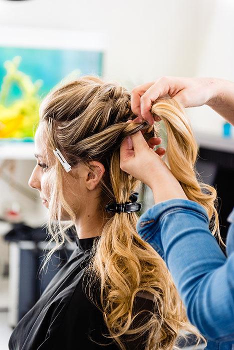 préparation coiffure mariage