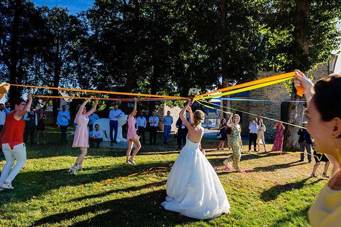 ruban et bouquet de la mariée