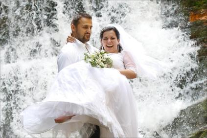Mokra sesja ślubna