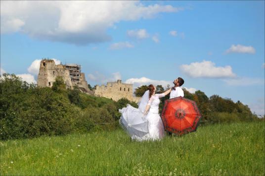 Sesja ślubna na zamku w Odrzykoniu