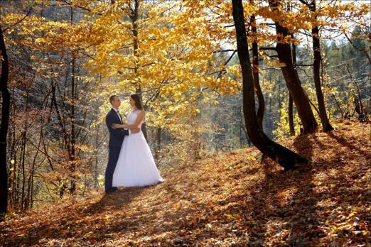 Sesja ślubna jesienny klimat
