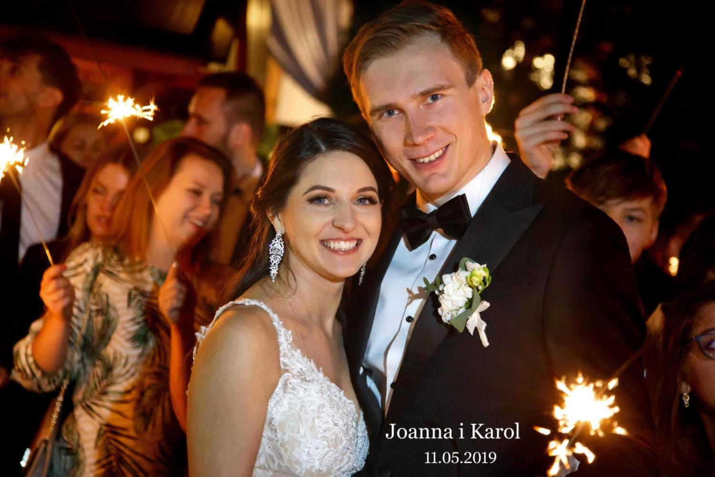 Państwo młodzi Joanna i Karol
