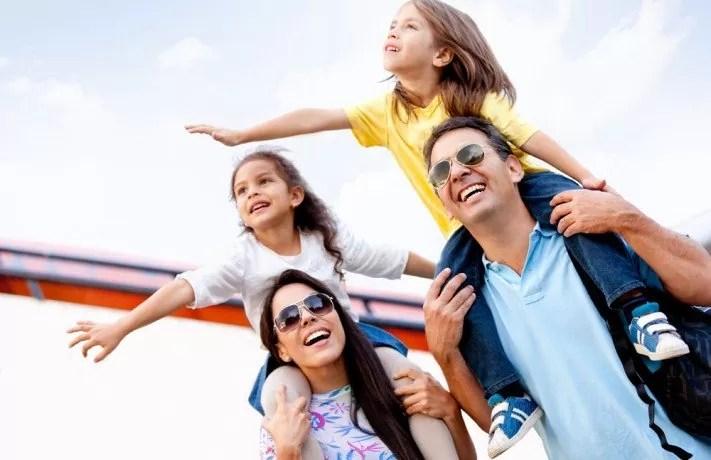 Foto keluarga sebagai konteks Lembaga Keluarga pada bentuk interaksi sosial