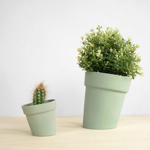 C04 Distorted flowerpot studio lorier - large and small flowerpots - skew pot - planter