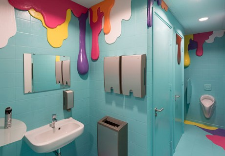 WC Wonderland – Happy Drips and Stains