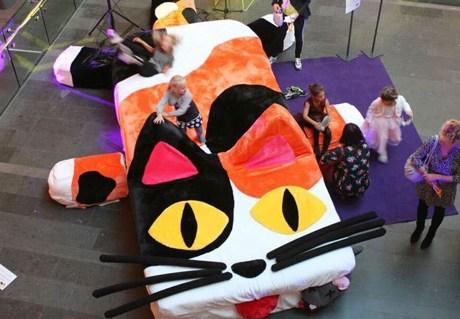 Kinderboekenbal 2016 'Calico Cat Couch'