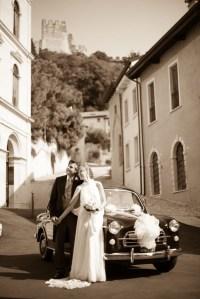 auto Fiat-1100 sposi