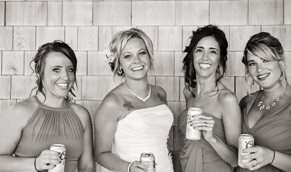 bridesmaids_and_bride__drinking_beer_photo_obx