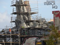Crews continue construction work on the Planet Batuu surface. As pictured below, some of the new activity is shielded by a fabric barrier wall. Stay tuned to Hollywood Studios for the most complete weekly updates. Star Wars: Galaxy's Edge. Disney's Hollywood Studios. Photo by John Capos