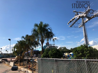High overhead crews are installing the gondola cabling. The new Skyliner guest transportation system is scheduled to be high flying in 2019. Be sure to stay tuned to Hollywood Studios HQ for the most up to date Skyliner construction updates. Disney's Hollywood Studios. Photo by John Capos