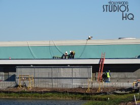 Workers this week completed the installation of nighttime lighting for a guest walk way. Roof top welding activity was present on the station structure. Say tuned to Hollywood Studios HQ for the most up to date construction Disney Skyliner news. Disney's Hollywood Studios. Photo by John Capos
