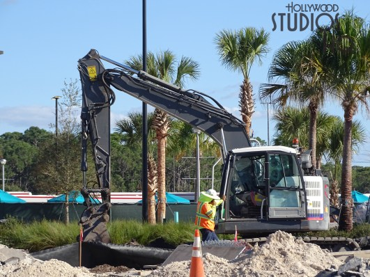 Construction activities continue on the resort and charter bus arrival and departure areas. Additional structural and exterior finishing work is pictured below. Likewise crews are continuing exterior painting and roadway paving. Site work near the former resort bus arrival area is underway. Hollywood Studios HQ continues the best construction coverage. Disney's Hollywood Studios. Photo by John Capos