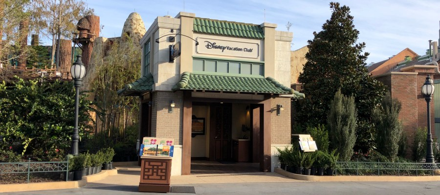 The new Disney's Vacation Club information center has opened to guests. This multi sided open air structure is located on Grand Avenue across from Baseline Tap House. Stay tuned to Hollywood Studios HQ for the latest updates from the Park. Disney's Hollywood Studios. Photo by John Capos