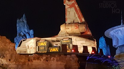 During extended Park hours, visitors can enjoy a night time experience in the new Star Wars: Galaxy's Edge. Daily hours are extended to 10 pm through the month of September. Stay connected to Hollywood Studios HQ for all Star Wars news. Disney's Hollywood Studios. Photo by John Capos