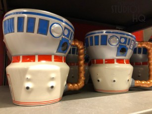 Just in time for holiday shopping, colorful R2D2 themed kitchen accessories are available inside Star Wars: Galaxy's Edge. Guests can add of touch of R2D2 to any home with cooking utensils and tableware from this themed merchandise array. Hollywood Studios HQ remains the best source for up to date Park news. Disney's Hollywood Studios. Photo by John Capos