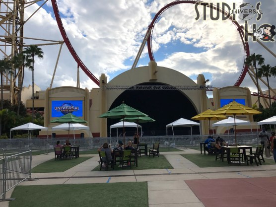 Guests can now enjoy additional outdoor seating with shade umbrellas in the Production Central area. In view of the concert stage, this new convenience includes a snack cart with refreshments. Subscribe today to Hollywood Studios HQ to stay current on all Park updates. Universal Orlando. Photo by John Capos