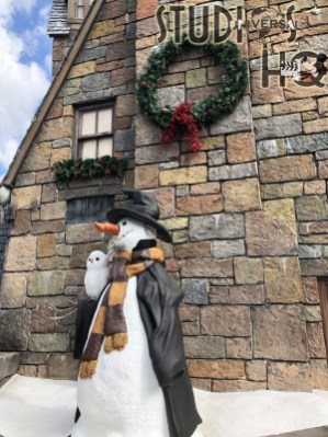 Guests will delight in the unique themed Christmas trees throughout the Islands of Adventure as the Park prepares to begin their holiday festivities on November 14, 2020. In addition to decorated themed trees in Jurassic Park, Toon Lagoon, and Marvel Super Hero Island, Christmas decorations abound in Hogsmeade and Seuss Landing as captured in the photos below. Subscribe today to Hollywood Studios HQ for all the holiday news at Universal Studios Orlando. Photo by John Capos
