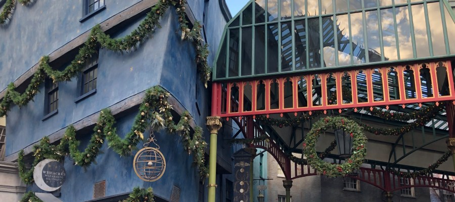 Crews have been busy in preparing the Park for the upcoming holiday season. Colorful decorations and lighting greet guests throughout Universal Studios including inside Diagon Alley. A Tribute Store dedicated to providing a unique holiday shopping experience is preparing to open soon in the New York area. Official Christmas festivities begin November 14, 2020, so be sure to stay connected with Hollywood Studios HQ for detailed coverage. Universal Orlando. Photo by John Capos