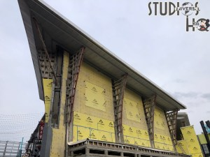 Crews continue work on the City Walk structure renovation currently underway. Additional new wall material was applied this week as refurbishment activity continues. Stay connected to Hollywood Studios HQ for the latest news on this construction project. Universal Orlando. Photo by John Capos