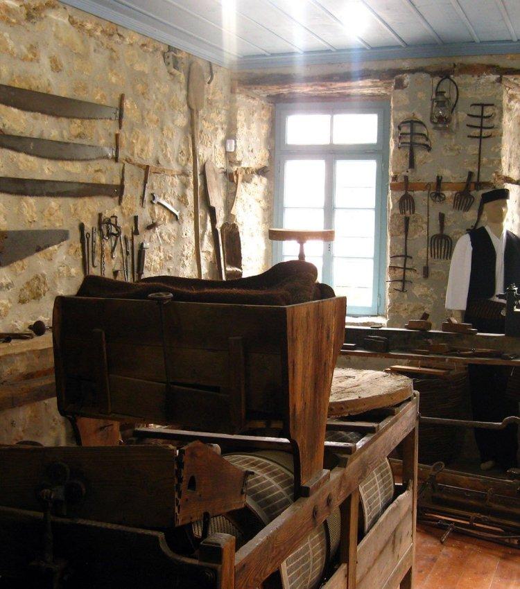 Folklore Museum Aletras Building