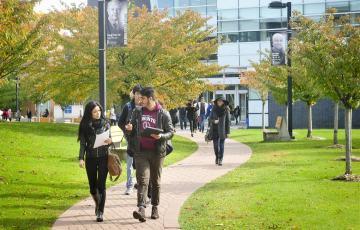 daptar universitas gratis SPP di Kanada pikeun pelajar internasional