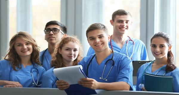 medicinska skolor med gratis undervisning