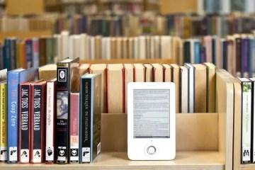 A Literature Major's Defense of E-Books and Digital Media
