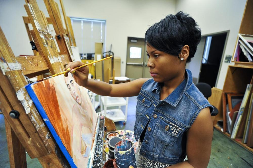 Side Hustles: Keeping Up With Your Art in College