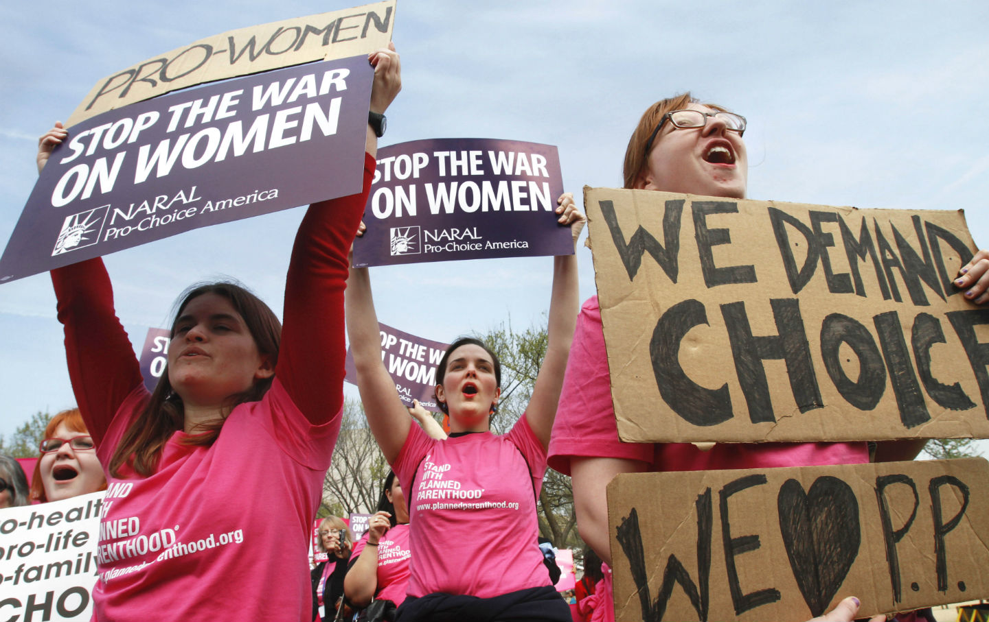 Va. House subcommittee OKs bill to defund Planned Parenthood