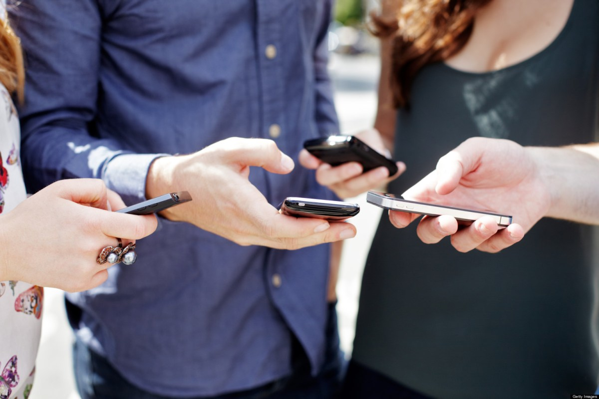 Social Media Etiquette: When to Look, Like and Favorite