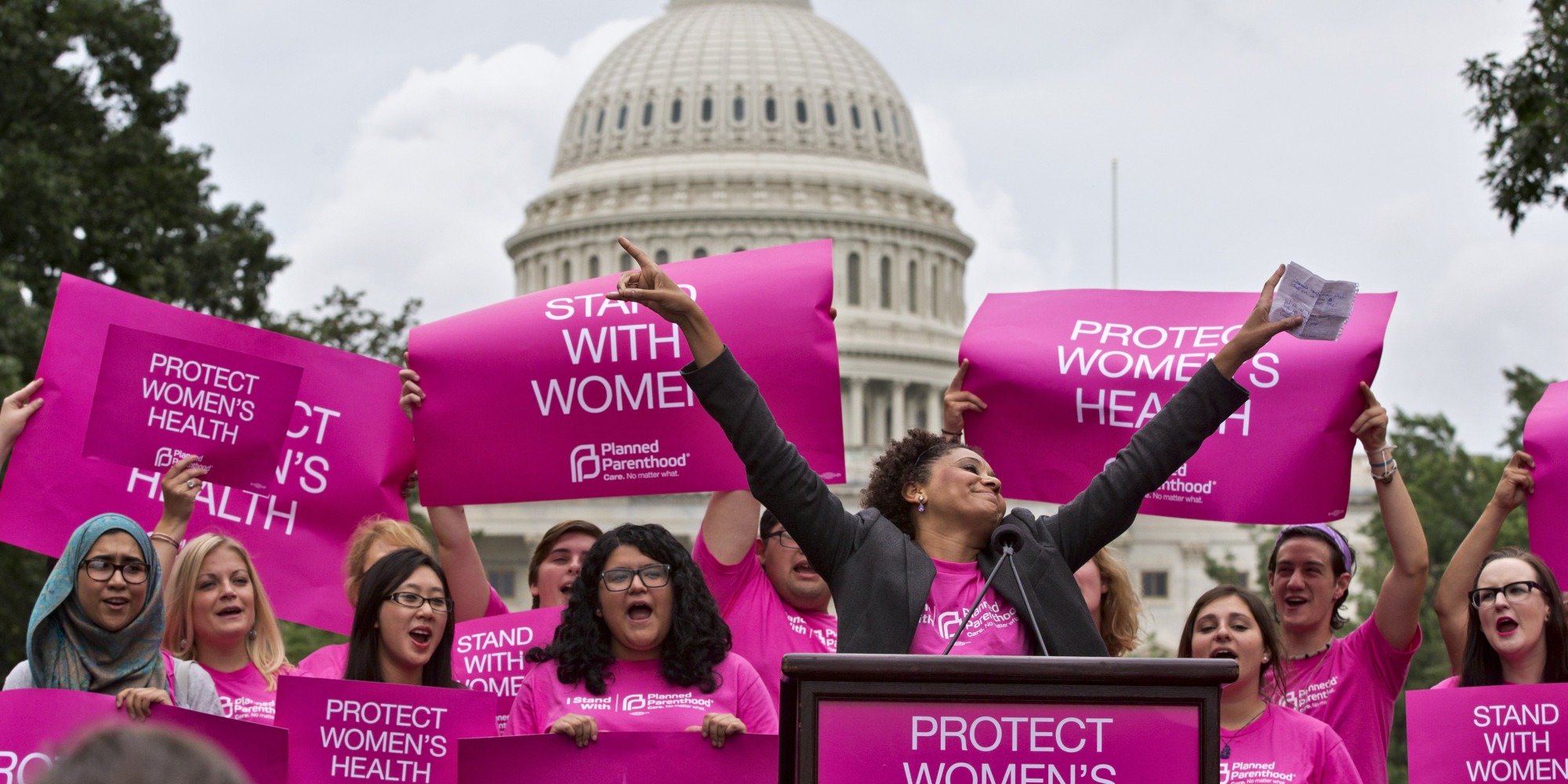 Trump signs law letting states block funds to Planned Parenthood