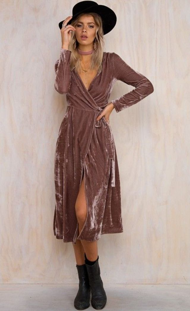 4349dfd84af7c0a3697058edec80c8cb–velvet-dresses-velvet-wrap-dress