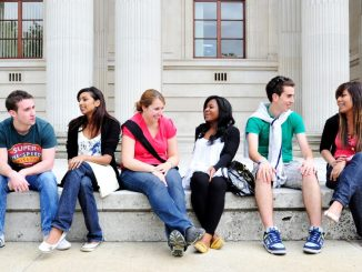 Best Study Abroad Programs Offered by Top Colleges and Universities