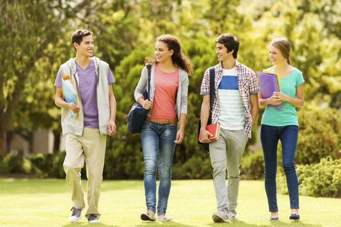 Best Summer Jobs for College Students, Apply Now!