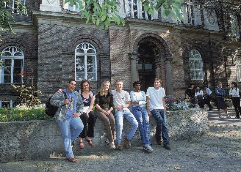 Complete Guide to Studying MBA Abroad