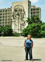 Me in front of the Che Guevara mural on the Ministry of the Interior building. Copyright Cornelia Kaufmann