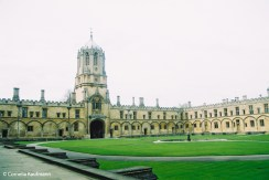 The Tom Quad of Christ Church College, with the college's main entrance, the Ton Tower. Copyright Cornelia Kaufmann
