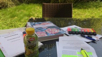 Studying outdoors! I love moving my work outdoors and soaking up the sunshine, one of the reasons I love spring and summer so much! Photo Cornelia Kaufmann