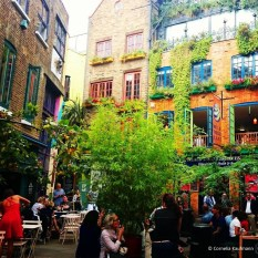Colourful Neal's Yard in the Seven Dials neighbourhood. © Cornelia Kaufmann