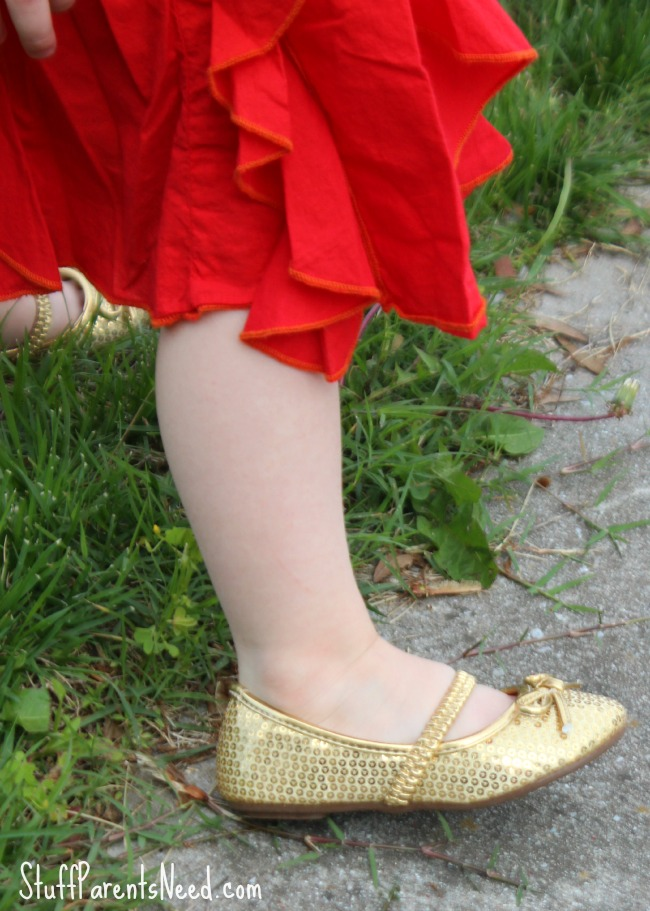 fabkids gold sparkle shoes 1